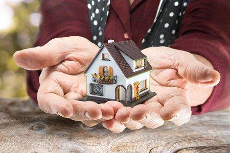 Beter voorkomen dan lijmen: over de erfovereenkomst, de zorgovereenkomst en de schenking onder last